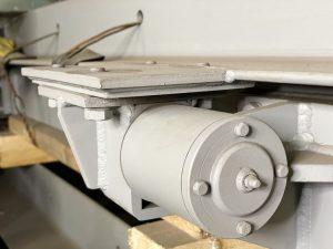 Шарнир герметической двери для бомбоубежищ